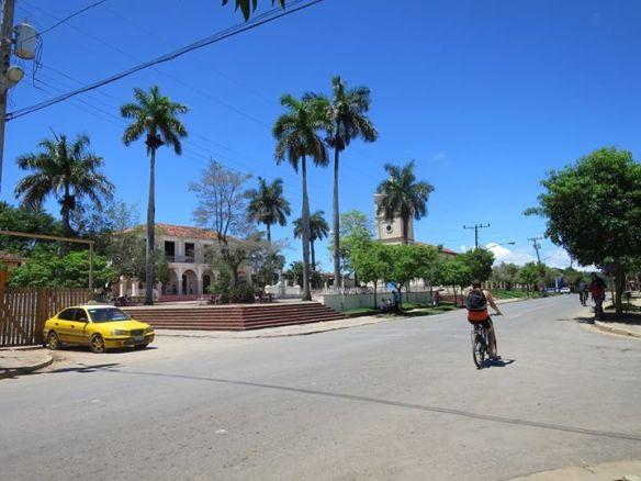 古巴某小鎮中心。